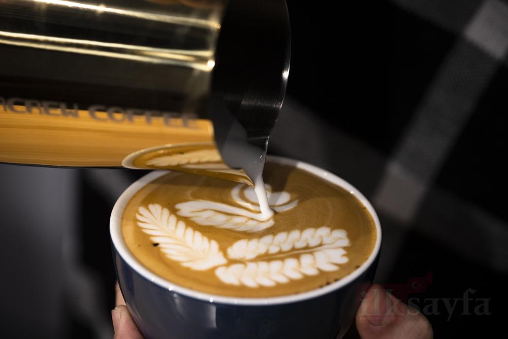 Kahve hazırlamayı sanata dönüştürdü galerisi resim 1