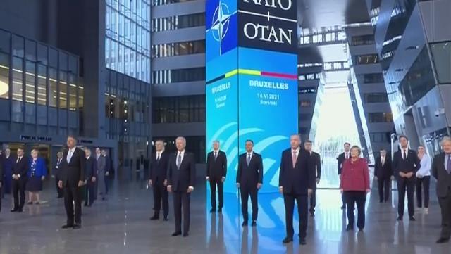 Başkan Erdoğan, NATO Karargahında liderlerle bir araya geldi galerisi resim 14