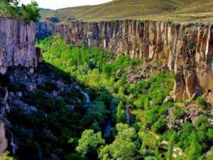 Ihlara Vadisi'nin yolları turistleri yıldırmıyor
