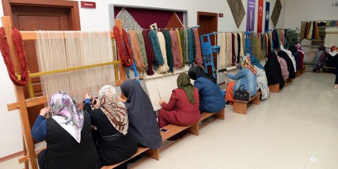 Altındağ'da kadınların halı fabrikası kazanç kapısı oluyor