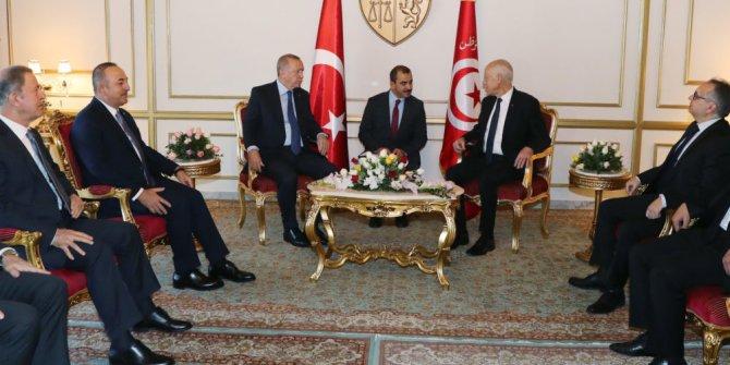 Erdoğan Tunus'ta