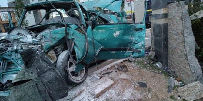 Ortaokul öğrencisi otomobille makas atarken kaza yaptı