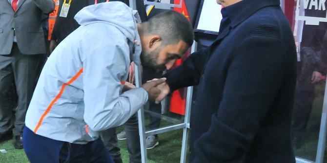 Fatih Terim: Arda Turan futbolu Galatasaray'da bırakmalı