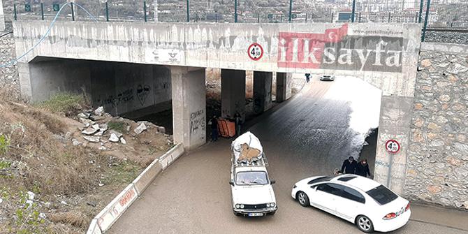 Mamak Derbent Mahallesi'ndeki 'dert geçidi'