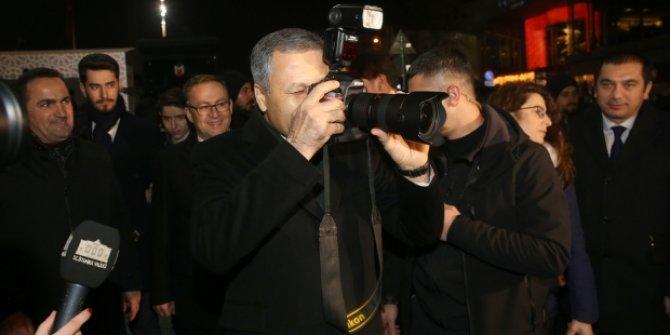 Taksim'de gazeteciler poz verdi Vali Yerlikaya çekti