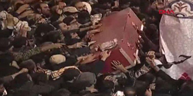 Kasım Süleymani, Kirman'da toprağa verildi