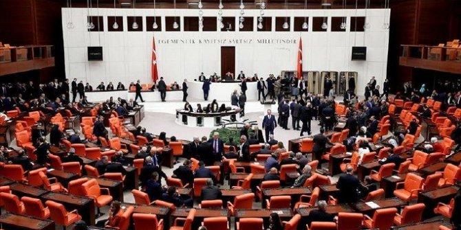 Meclis'e gelecek yeni torba yasadan asgari ücrete destek çıkabilir