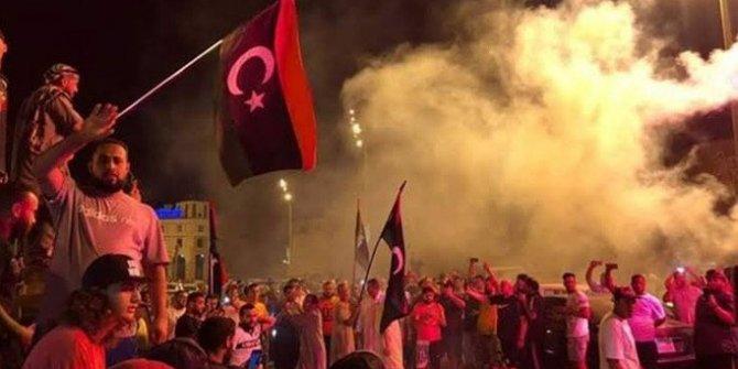 Libya'daki ateşkes başkent Trablus'ta kutlandı
