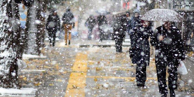 Meteoroloji tarih verdi:  Ankara'ya kar geliyor