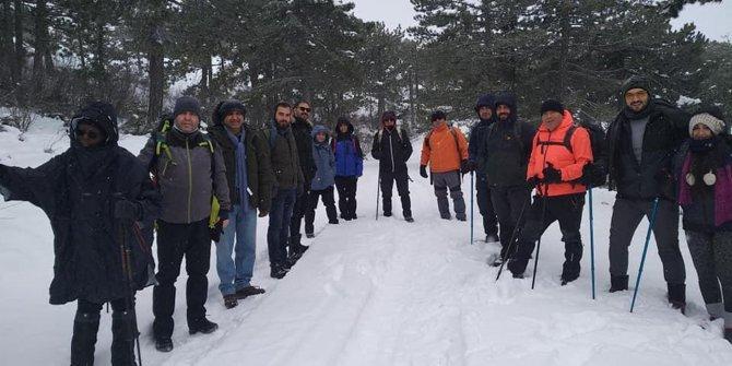 Kahramankazan Belediyesi'nden dağdaki sporculara çorba ikramı