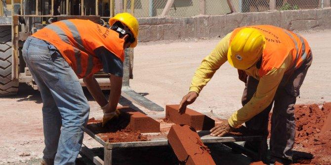 Yenimahalle Belediyesi kilit taşlarını kendi üretipkendi kullanıyor