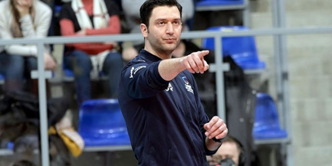 Ferhat Akbaş, Polonya'da yılın en başarılı başantrenörü seçildi