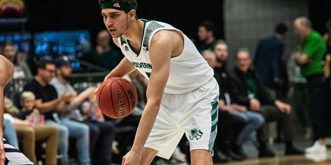 Utah'ta oynayan Türk basketbolcu Ege Havsa: Oyunculardan kimse kalmadı, bir tek ben varım