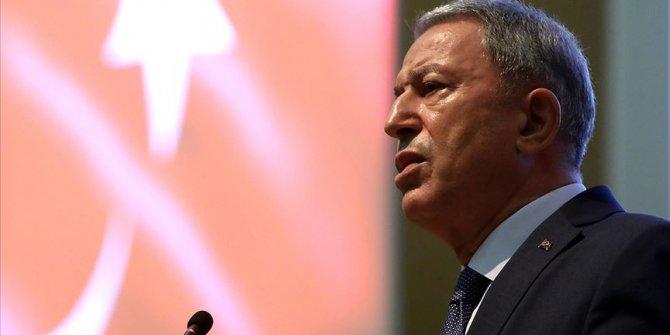 Bakan Akar: Her türlü tehlike ile mücadelemizi sürdürüyoruz