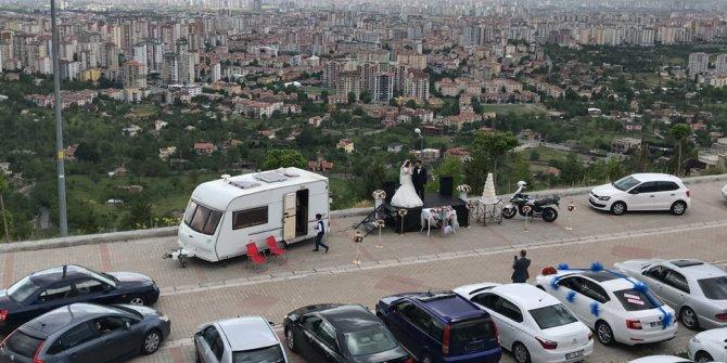 Kayseri'de otomobilli düğün