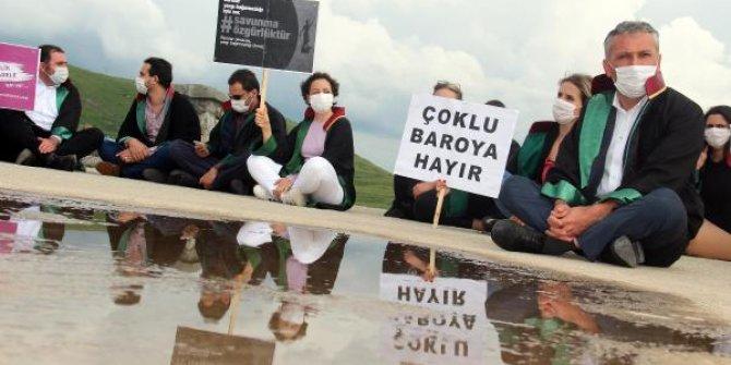 Ardahan'da avukatlardan 'Baro düzenlemesi' protestosu