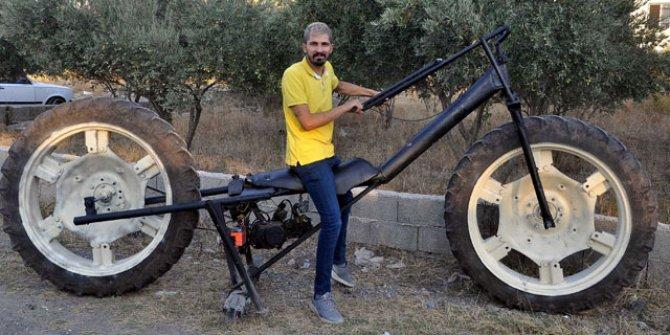 Traktör tekerli motosiklet yaptı