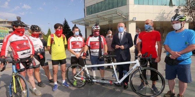 Başkan Yaşar sporcularla bir araya geldi