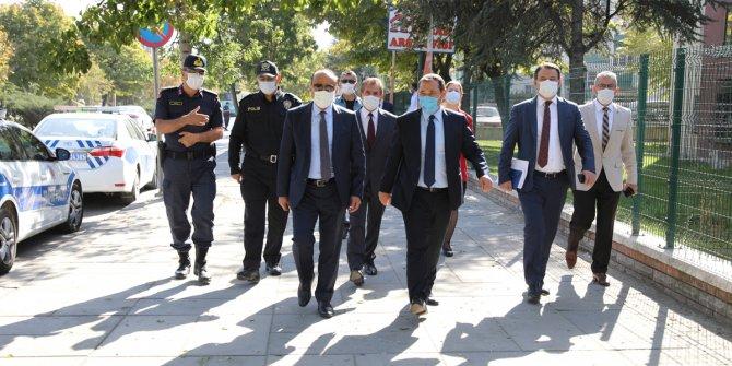 Başkan, maske, mesafe ve hijyen denetiminde