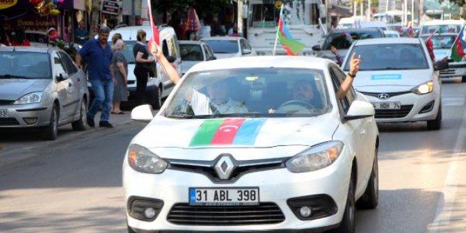 Adana'da Azerbaycan'a destek için araç konvoyu düzenlendi