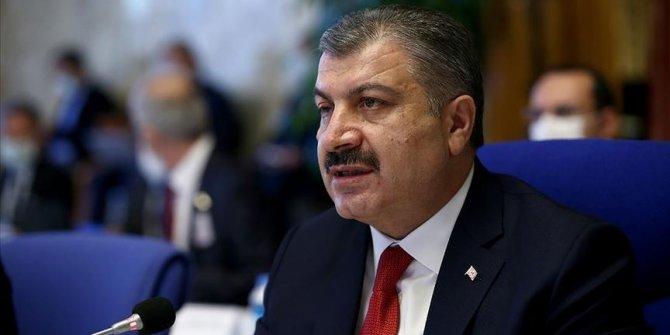 Sağlık Bakanı Koca'dan 'Maskenizi sigara için çıkarmayın' uyarısı
