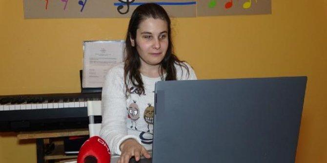 Görme engelli Ahizer öğretmenin ilk Öğretmenler Günü heyecanı