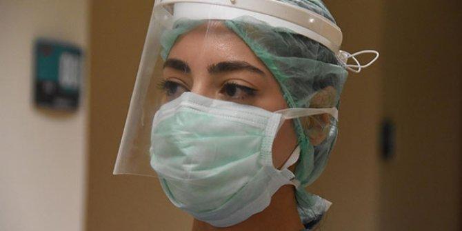 Covid-19 servisi hemşiresi Akyol: 'Virüs kaptık mı?' endişesiyle çalışıyoruz