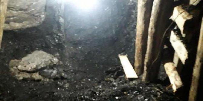 Evde kaçak kazı yaparak kömür çıkaran 4 kişi yakalandı