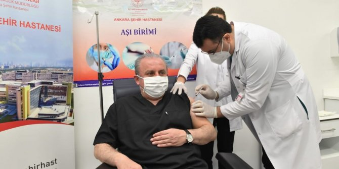 TBMM Başkanı Mustafa Şentop KOVİD-19 aşısı oldu