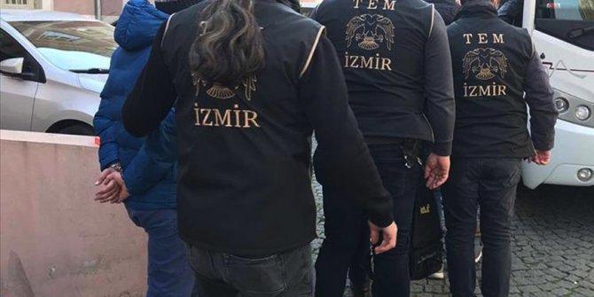 İzmir'de FETÖ'nün hücre evlerine operasyon: 35 gözaltı