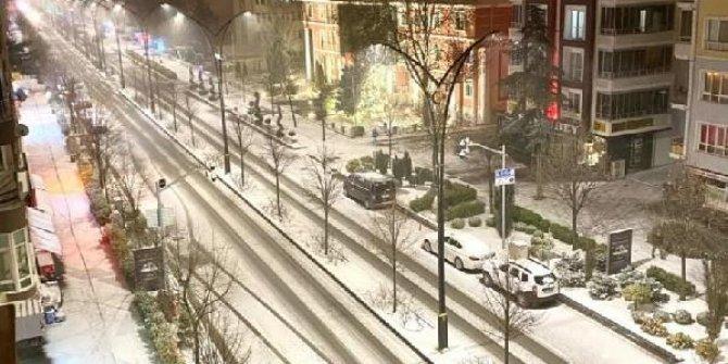 Kırşehir'de yüzyüze eğitime kar engeli
