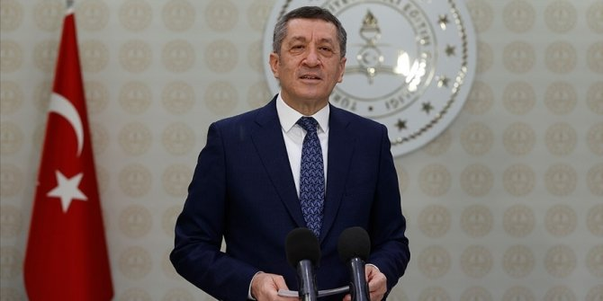 Milli Eğitim Bakanı Selçuk: Yüz yüze yapılacak sınavlar için Kovid-19 tedbirlerine yönelik tüm hazırlıklar tamamlandı