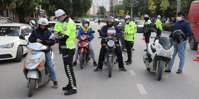 Yurt genelindeki motosiklet ve motorlu bisiklet denetimlerinde 2 bin 449 cezai işlem uygulandı