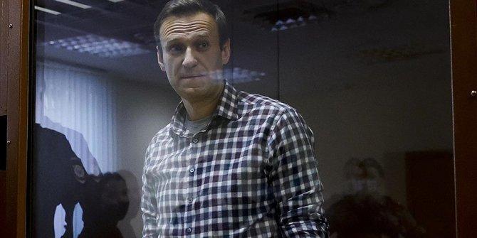 Rusya, AB'nin Navalnıy'ın hapsedilmesi nedeniyle aldığı yaptırım kararını 'hayal kırıklığı' olarak nitelendirdi