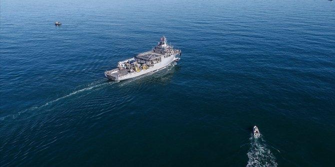 Yunanistan'a ait 4 F-16 uluslararası sularda araştırma yapan 'TCG Çeşme' gemisini taciz etti
