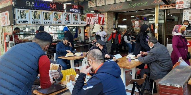 Ankara'da iş yerleri yavaş yavaş hareketleniyor
