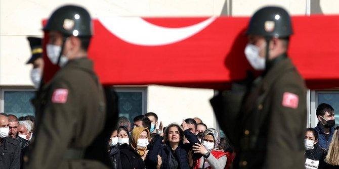 Kahraman Bitlis şehitlerimiz Hamdi Akseki Camii'nden uğurlandı