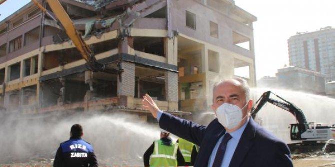 Rize'de 23 hektarlık alanda riskli binaların yıkımı başladı