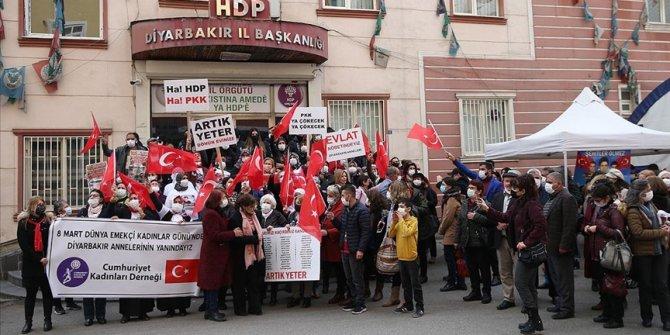 Diyarbakır annelerine 8 Mart Dünya Kadınlar Günü'nde destek ziyaretleri