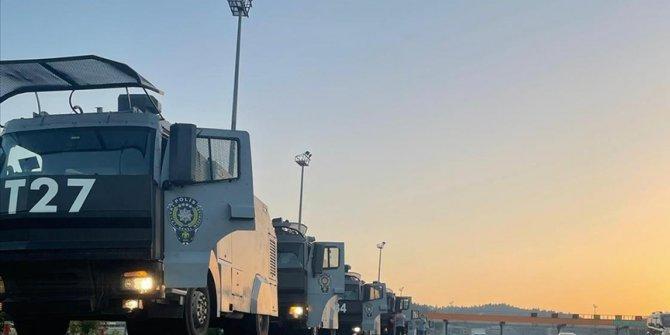 İstanbul Emniyet Müdürlüğü yangın bölgelerine 20 TOMA gönderdi