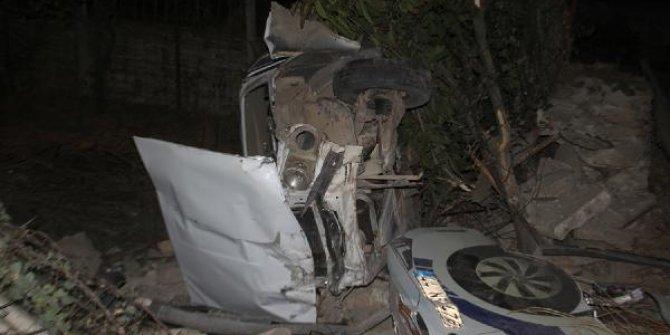 Evin bahçesine uçan otomobilin sürücüsü ağır yaralandı