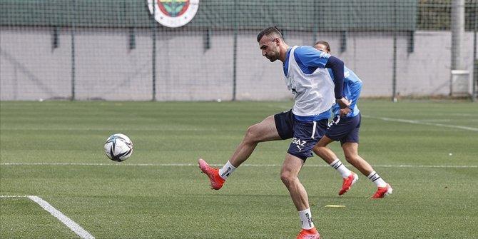 Fenerbahçe'de Serdar Dursun takımla çalışmalara başladı