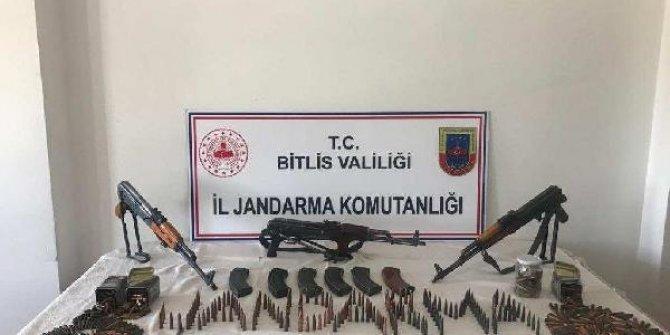 Bitlis'te, arazide silah ve mühimmat ele geçirildi