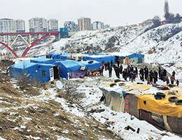 Suriyeliler Çadırlardan Çıkarıldı
