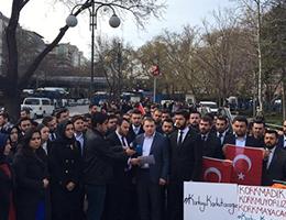 AK Parti Ankara İl Teşkilatı Güvenpark'a Karanfil Bıraktı