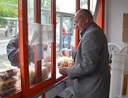 Osmanlı Geleneği 'Askıda Ekmek' Sıhhiye'de Yaşatılıyor
