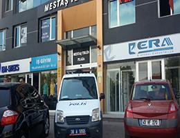 Polisler FETÖ Kurumlarının Önünde Tetikte Bekliyor