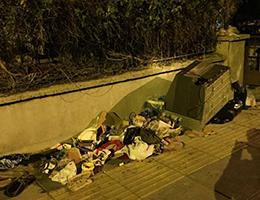 Sokağa atılan çöpler insan sağlını tehdit ediyor!