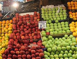 Kışlık Meyveler Tezgâhlarda