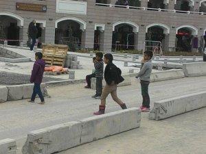Hacı bayram'ın çocuk dilencileri
